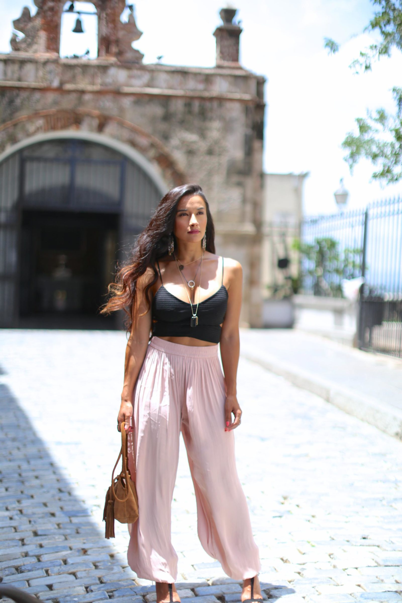 Zara Full Trousers, Black Crop Top, black zara heels, blush pants, puerto rico, Old San Juan, Enchanting look, Latina Blogger, Mexican Blogger